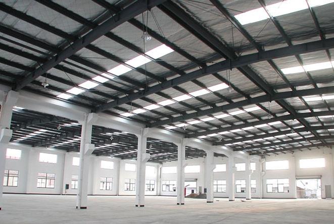 咧如地板砖或者复合木地板等来做厂房地面装修材料,有些厂房装修时要